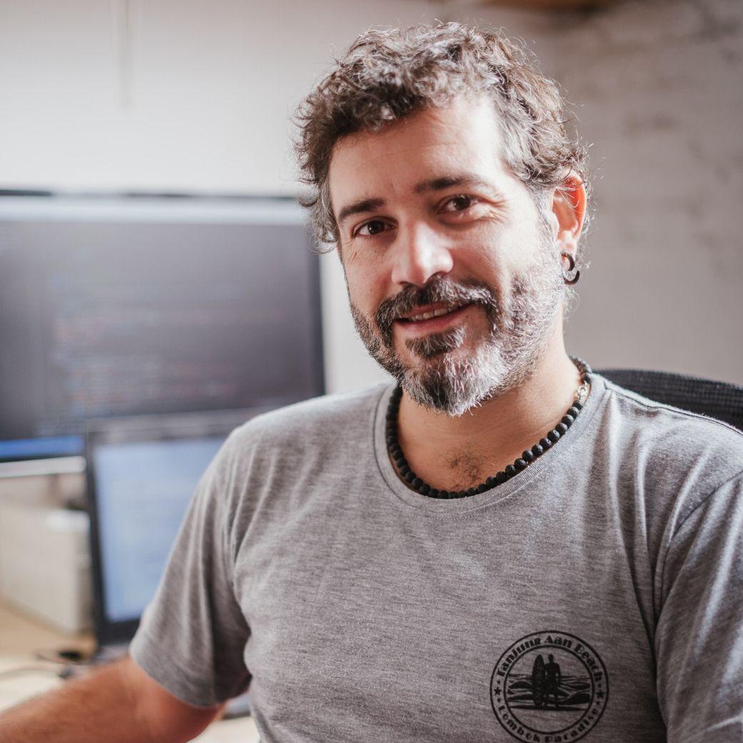 Cesar Cuadros